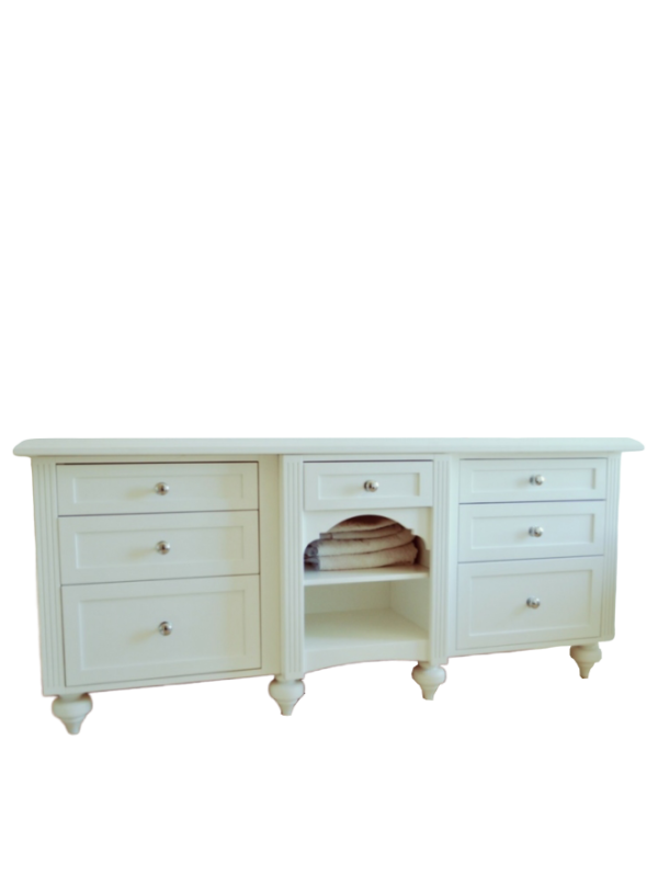 Biała stylowa szafka na dwie umywalki