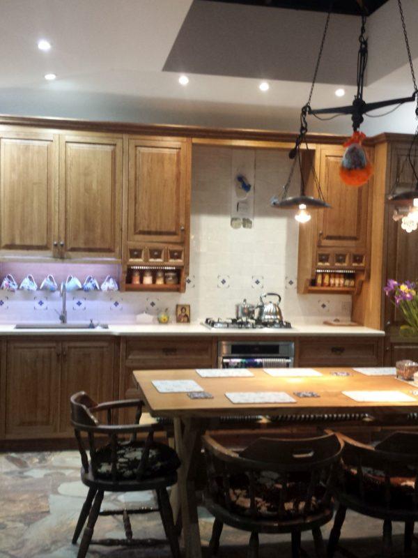Dębowa rustykalna kuchnia drewniana