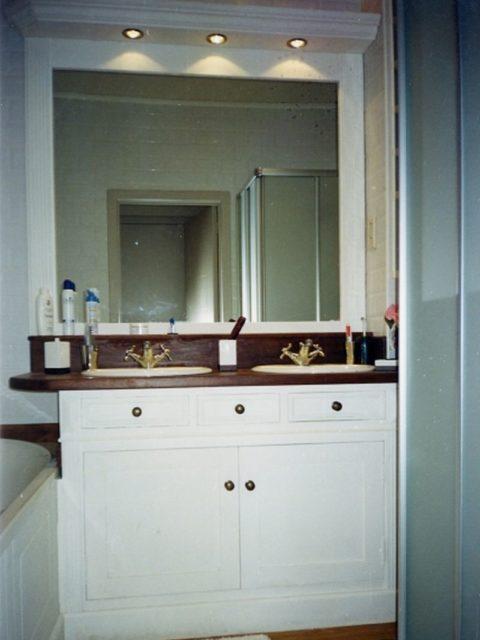 Meble malowane na biało do łazienki 105