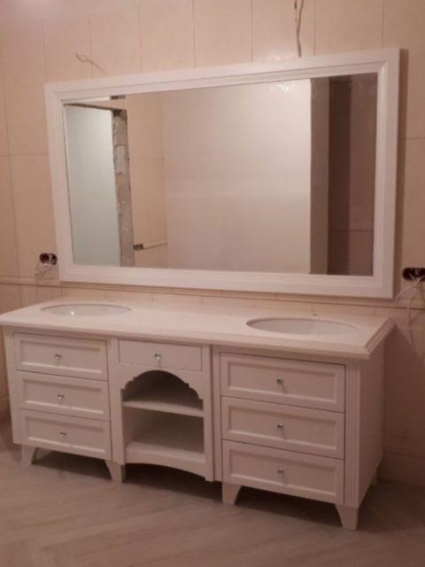Szafka łazienkowa na dwie umywalki z lustrem