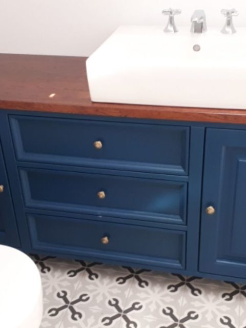 Szafka łazienkowa pod umywalkę granatowa